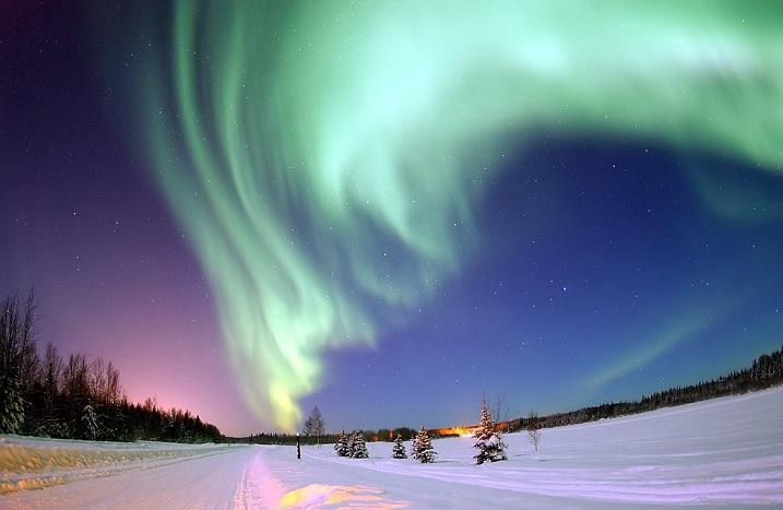 الشفق القطبي آية من آيات الله في الكون A64eb648d20113a36a36cd25db813d3b.